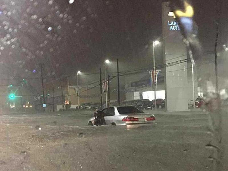 Cierran autopista Monterrey-Nuevo Laredo por inundaciones