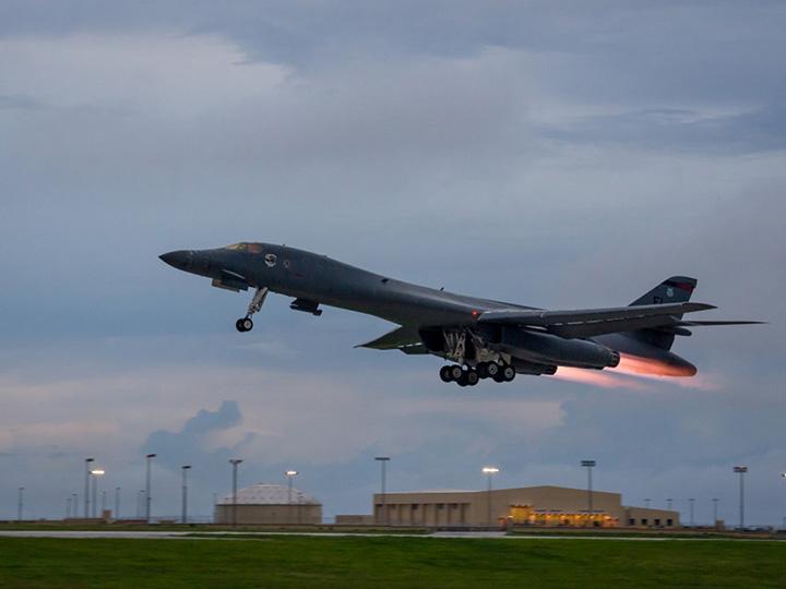 Bombarderos estadounidenses realizan nuevas maniobras en la península coreana