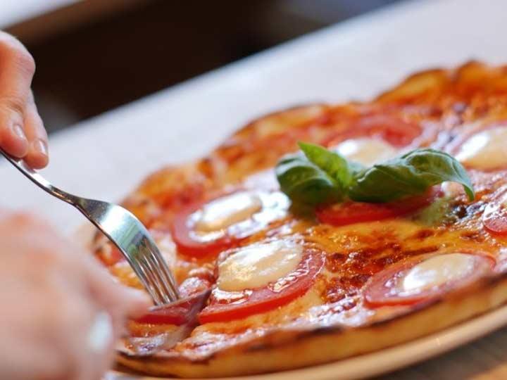 Una Rebanada De Pizza No Engorda Comer Cinco Si