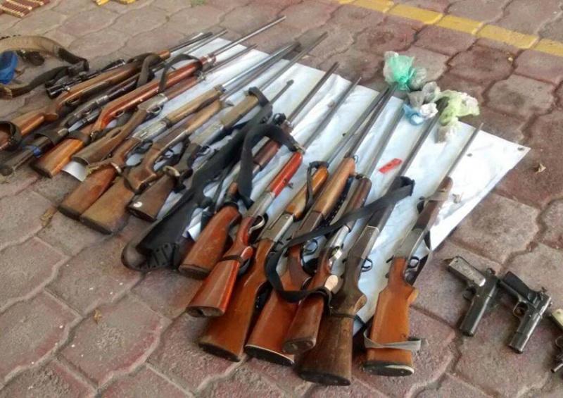 Detienen a 49 comunitarios armados en Zumpango de Neri