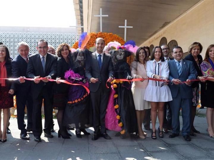 Diputados colocan ofrenda en honor a víctimas de sismos