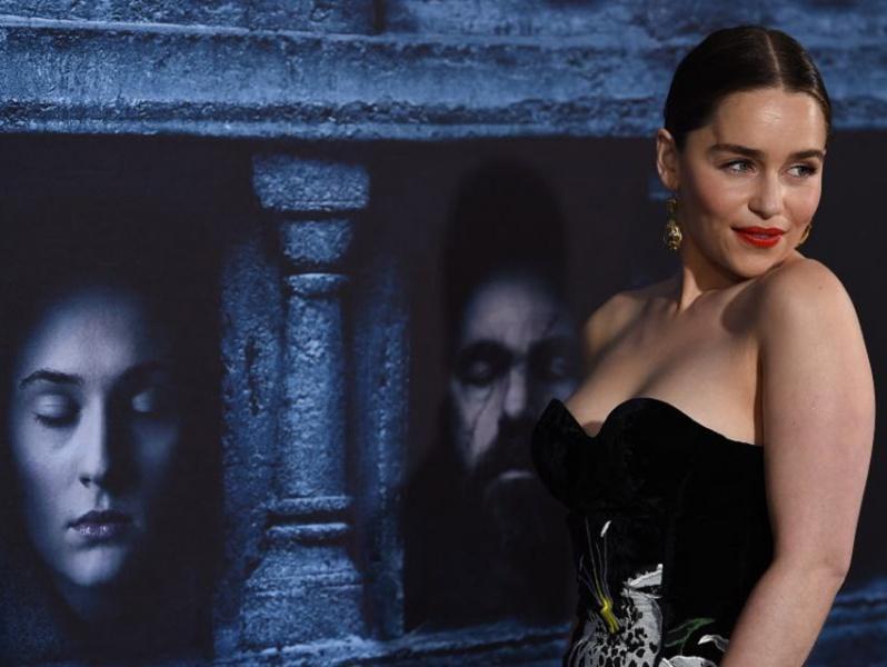 Emilia Clarke defiende el contenido sexual de Game of Thrones