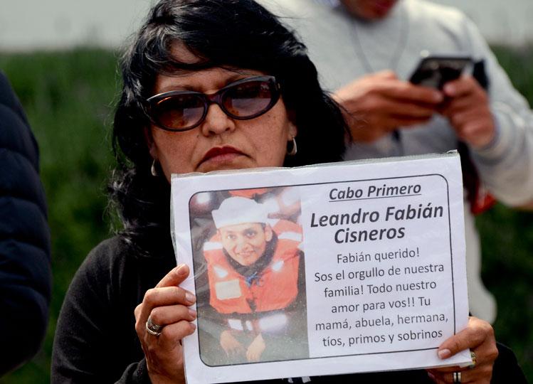 Evo lamenta fin de acciones de rescate del submarino argentino