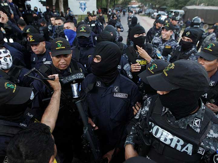 Grupo Cobra en Honduras se declara en huelga de brazos caídos