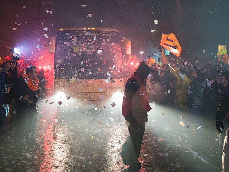 Más de 30 mil aficionados presenciaron entrenamiento de Tigres