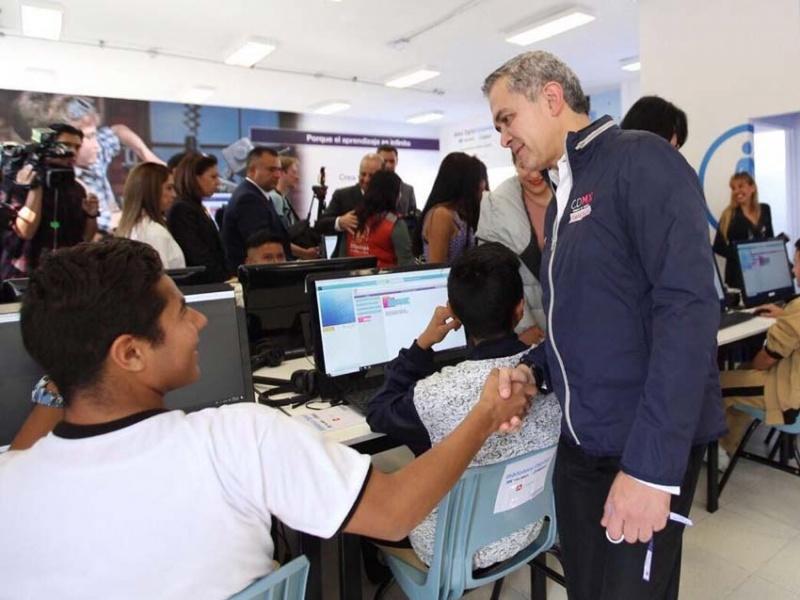Fundación Carlos Slim inaugura Aldea Digital permanente