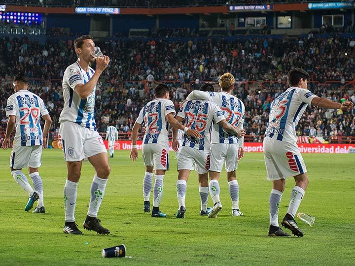 Pumas vence 3-2 al Pachuca con espectacular reacción