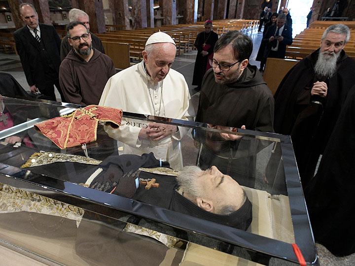 No olvidaré mi visita al Padre Pío, asegura el Papa Francisco