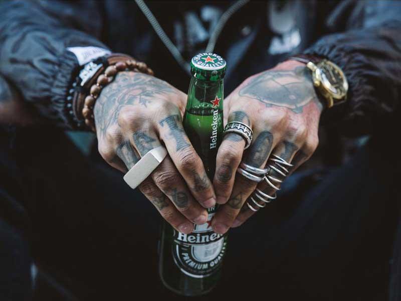 Heineken retira anuncio después de supuestas quejas de racismo