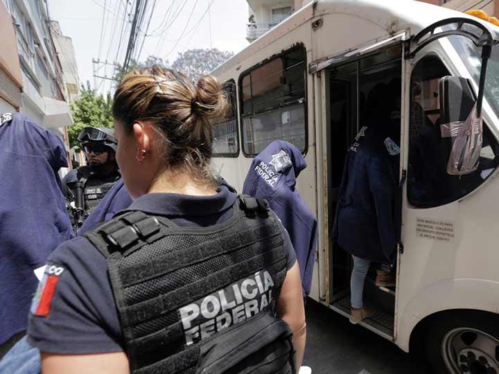 Rescatan a 18 mujeres víctimas de trata en la Nápoles