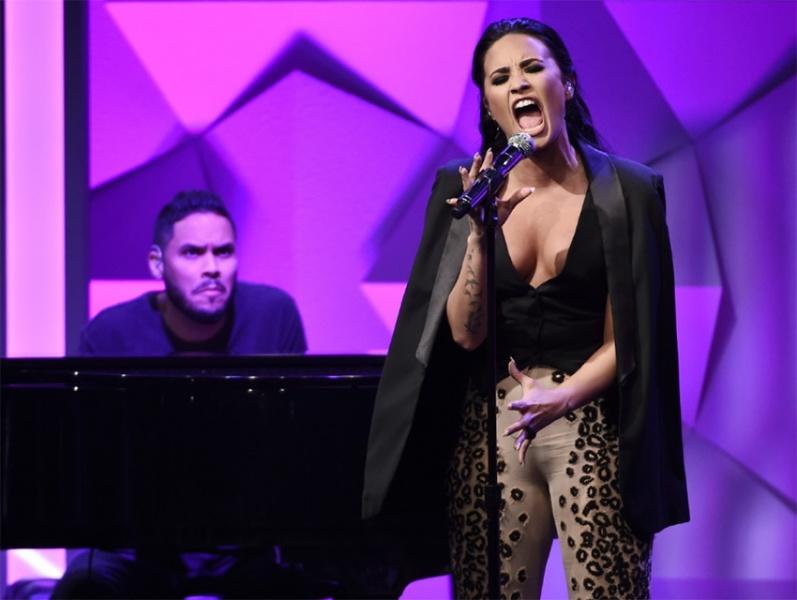 Demi Lovato confiesa haber recaído en el alcohol
