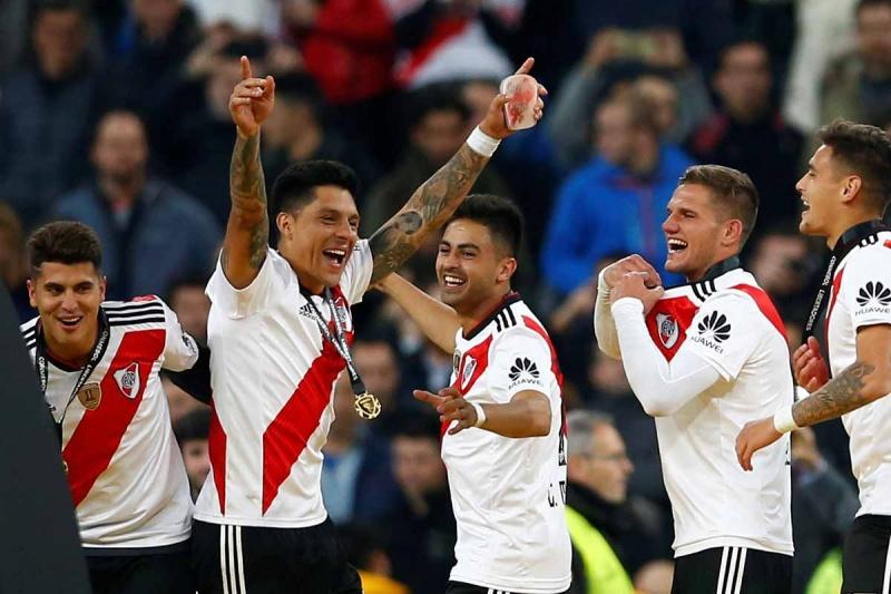 Chivas y River Plate podrían verse las caras para disputar una Copa