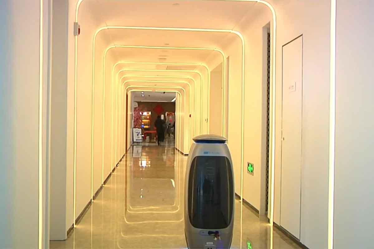 China abre el 'hotel del futuro'; no lo atienden humanos