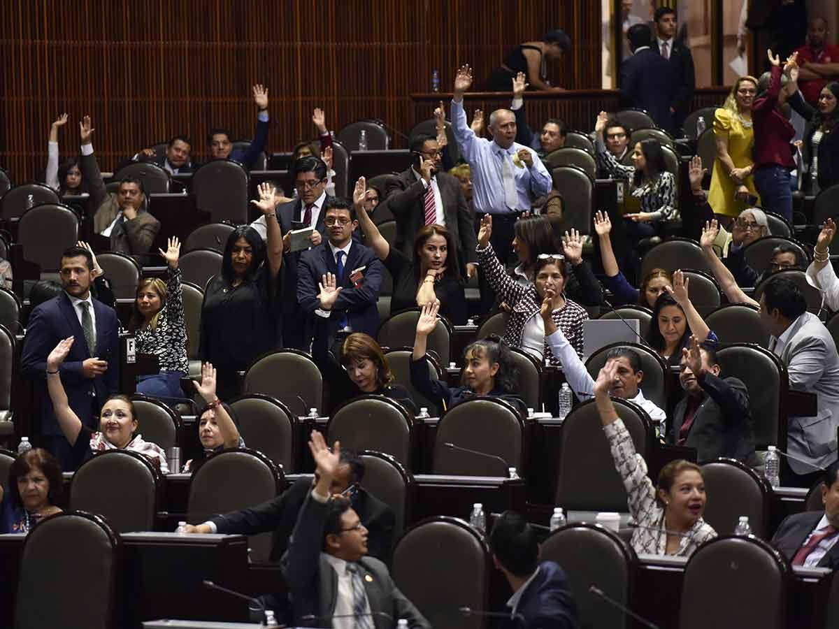 Resultado de imagen para Aprueban diputados consulta popular y revocación de mandato