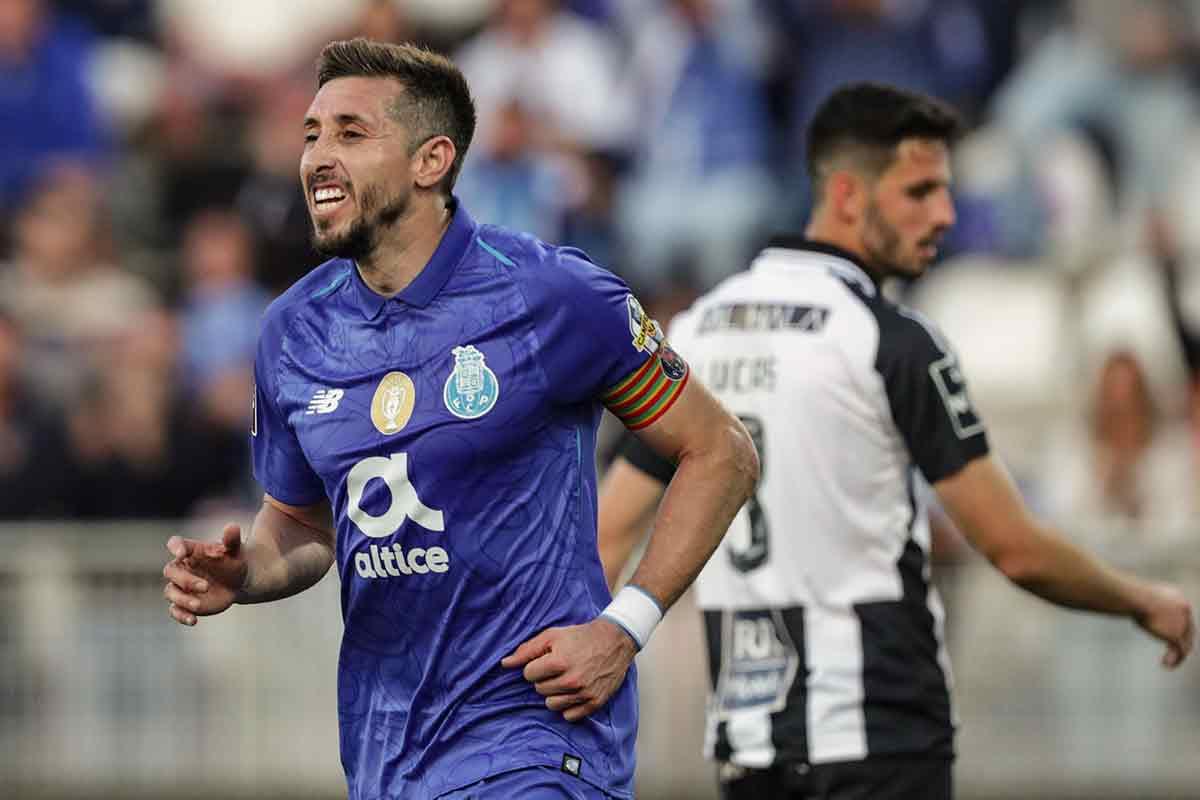 Héctor Herrera anota en triunfo del Porto