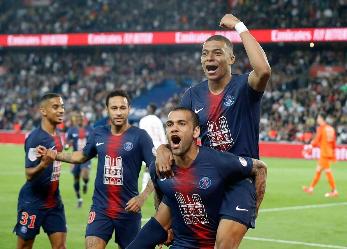 Notre Dame, presente en el título del PSG