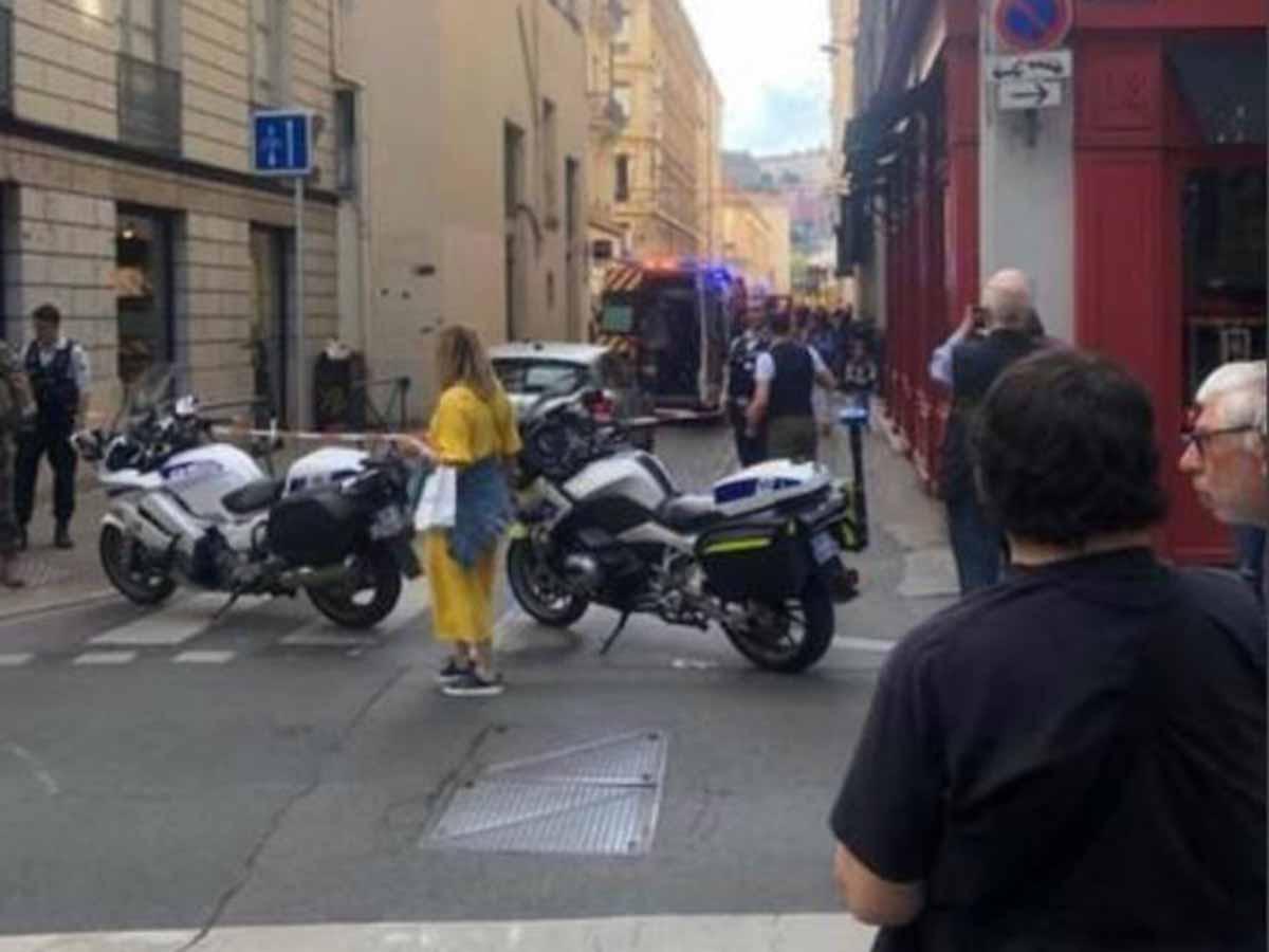 Imágenes de la explosión de paquete bomba en Lyon