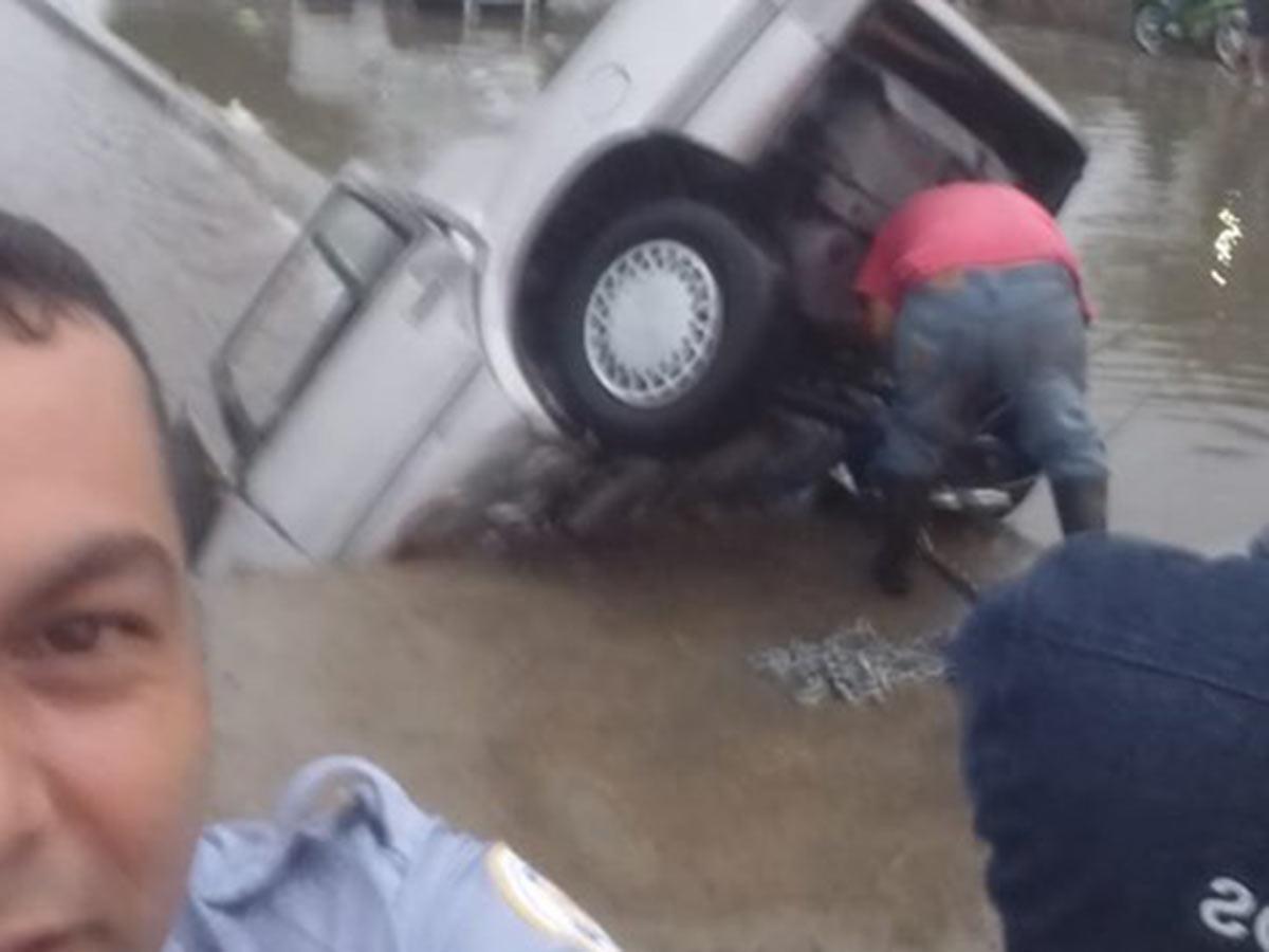 Resultado de imagen para Un policía de León se toma selfie en el lugar de un accidente mortal