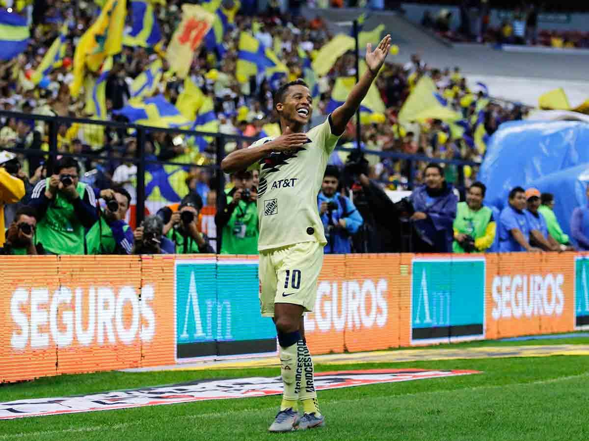 Afición corea a Gio Dos Santos en su debut en el Azteca