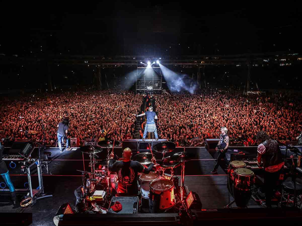 Guns N' Roses repite éxito en Guadalajara, 26 años después