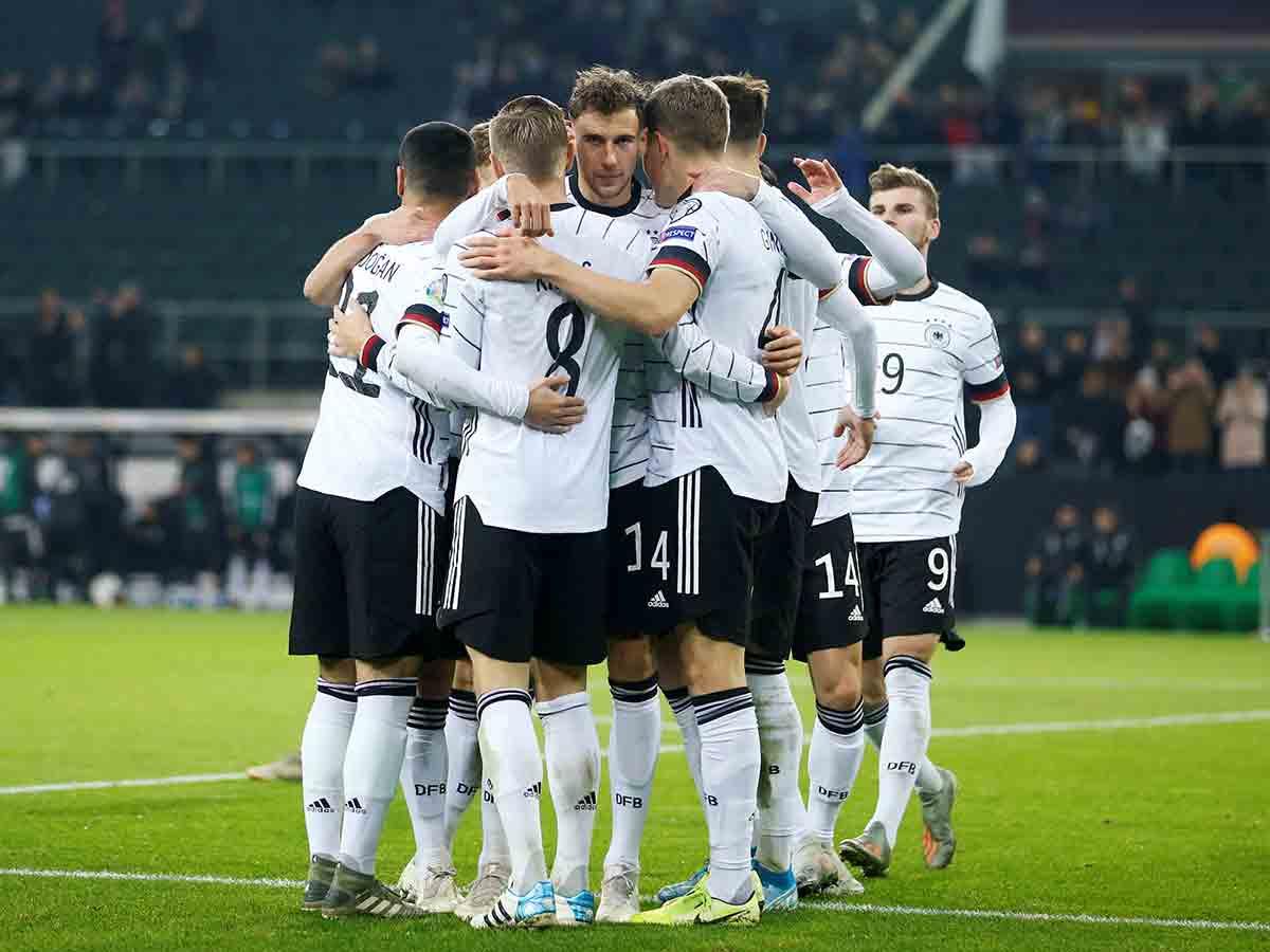 Alemania consigue su pase a la Eurocopa con goleada