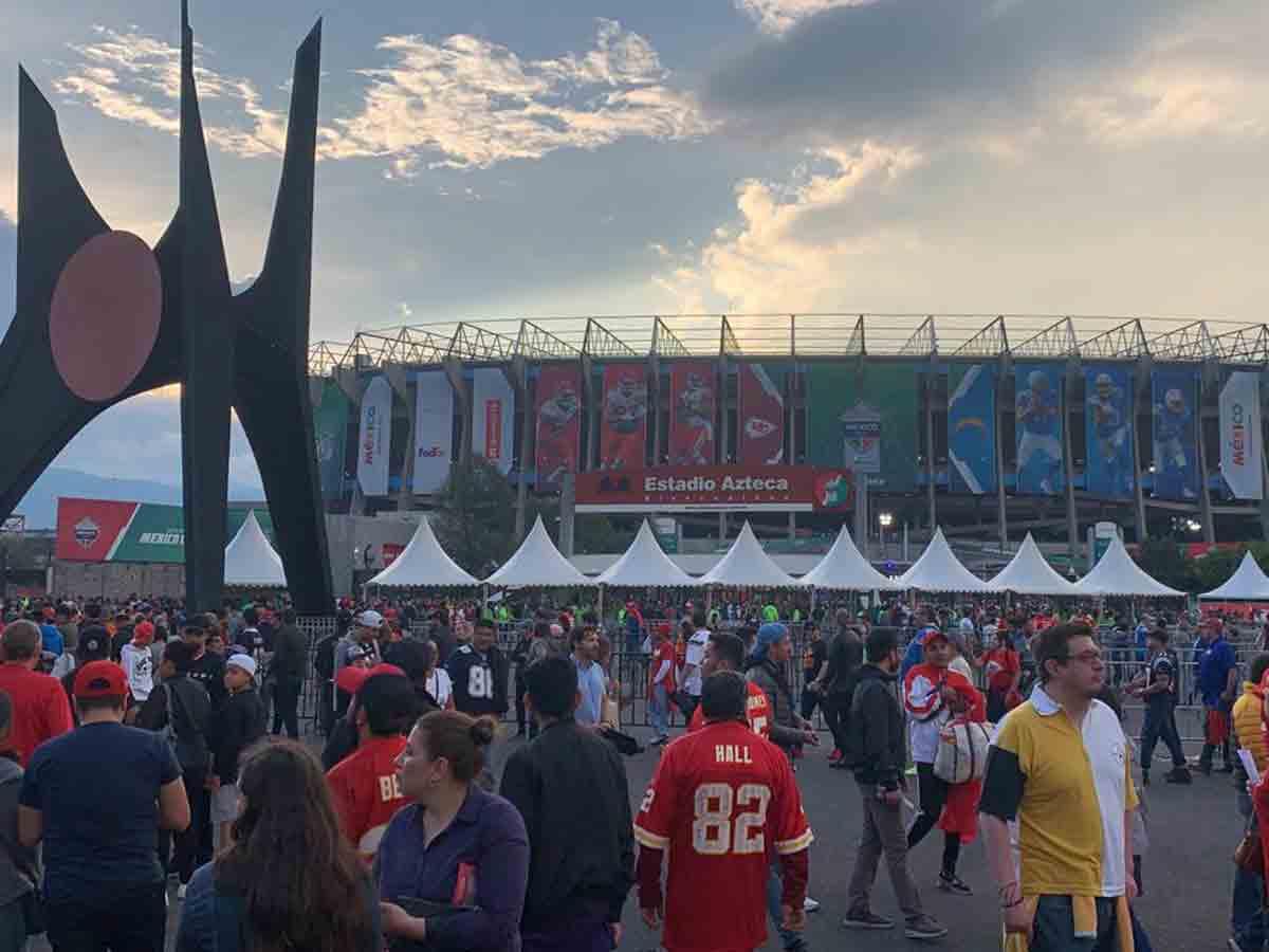 Así se vive la pasión de la NFL en México