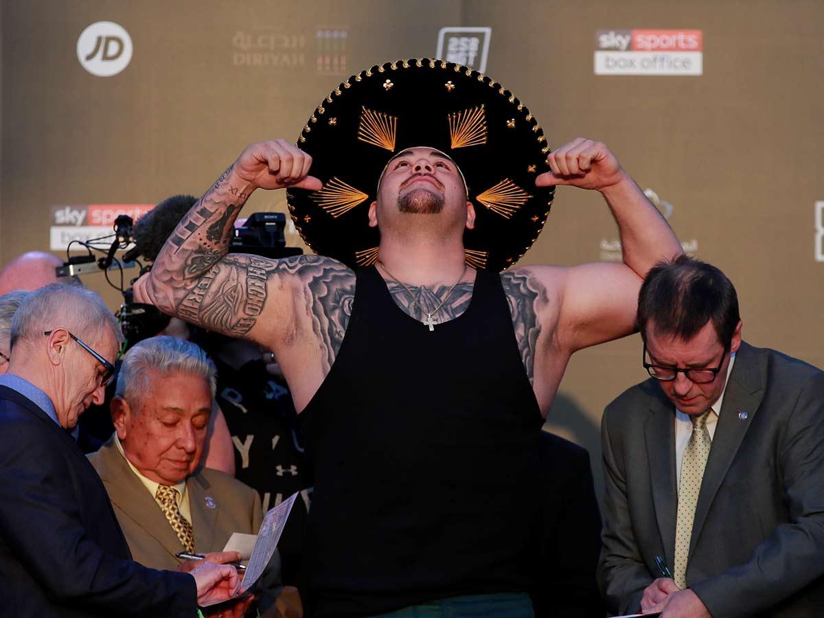Andy Ruiz le pone color al pesaje