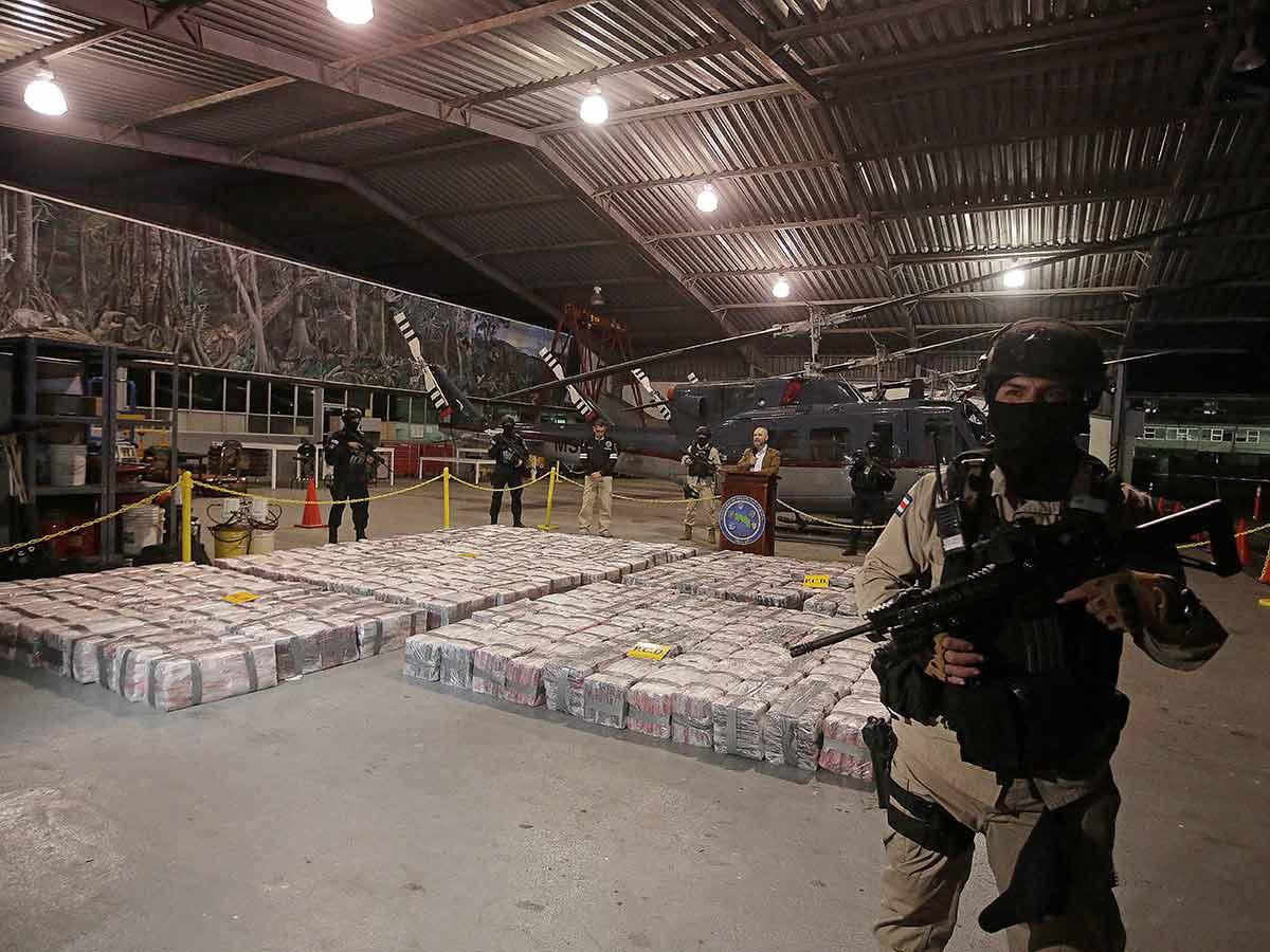 Realiza Costa Rica decomiso histórico de cocaína