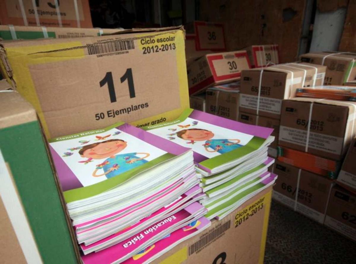 ¿Dónde obtener los libros de texto para mi hijo/a de educación básica?