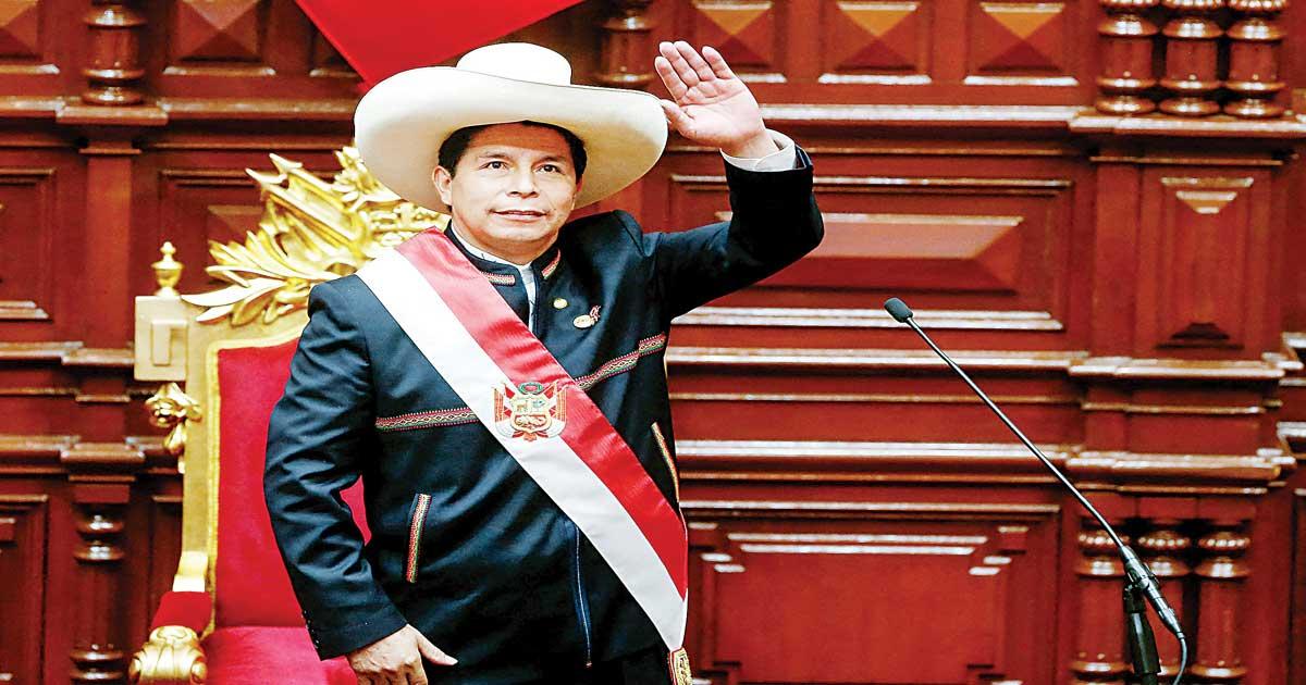 Castillo propone reconciliación; toma protesta en Perú