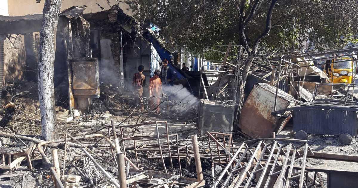 Talibanes controlan ya 6 capitales provinciales en Afganistán