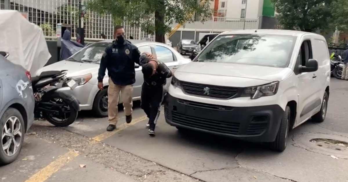 Detienen a dos hombres por feminicidio en Viaducto