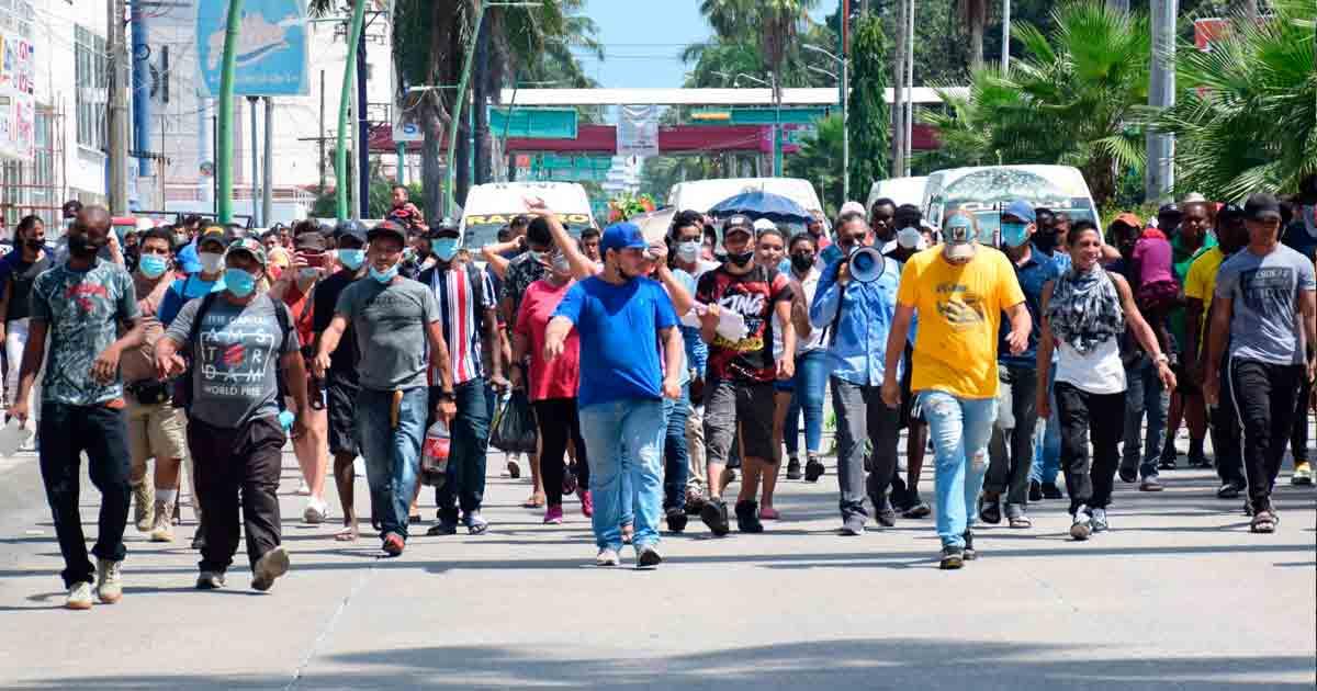 Migrantes alistan salida de caravana madre de Tapachula rumbo a la CDMX en 20 días