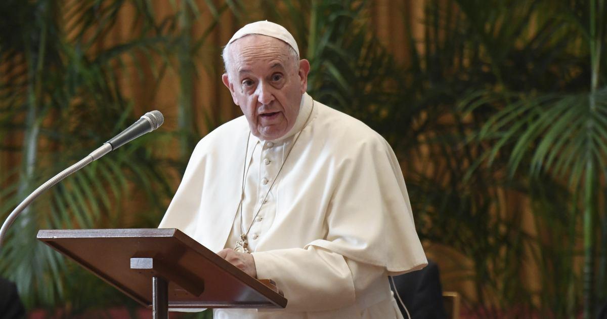 El Papa relanza llamado a farmacéuticas para liberar patentes de vacunas covid