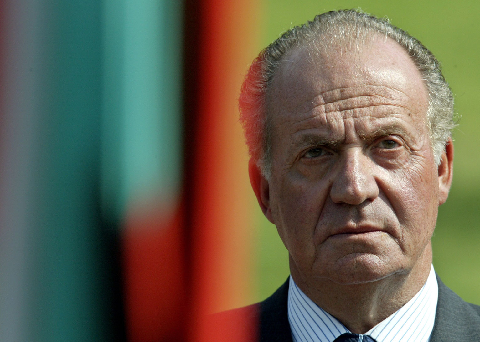 El rey español Juan Carlos agradeció hoy a su pueblo todo el apoyo que recibió en sus casi cuatro décadas como monarca y reiteró que España ahora es una gran nación.