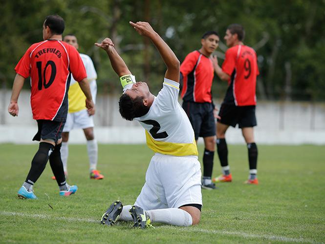 Con empate 2-2 el equipo del Sumo Pontifice tuvo su primer encuentro (AP)