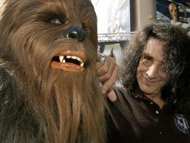 En la trilogía original, Peter Mayhew interpretó al peludo copiloto de 'Han Solo' con gran maestría e incluso llegó a aparecer en el 'Episodio III'. (Especial)