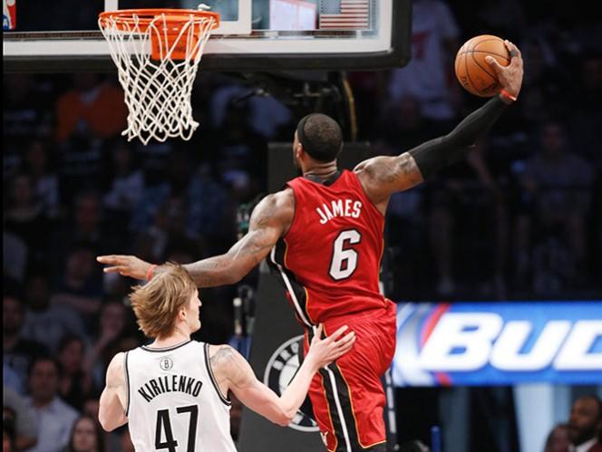 LeBron acerca al Heat a la final de Copnferencia (AP)