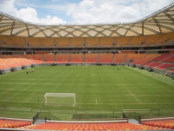 Arena Amazonía es uno de los inmuebles que podría retrasar sus encuentros (AP)