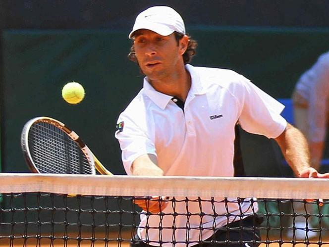 El mexicano se mantiene en el torneo en dobles mixtos junto a Arantxa Parra Santonja (Mexsport)