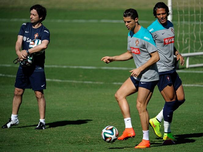 El jugador portugués trabaja para poder iniciar ante Alemania (AP)