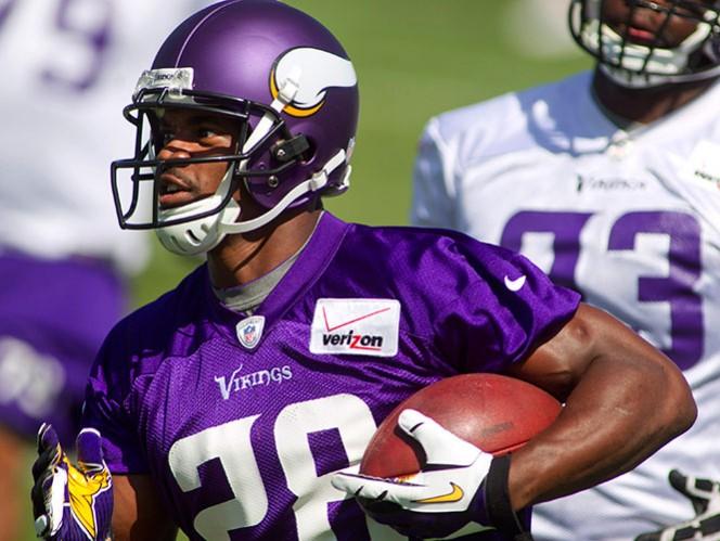 Peterson se solidariza con ex jugadores de la NFL (AP)