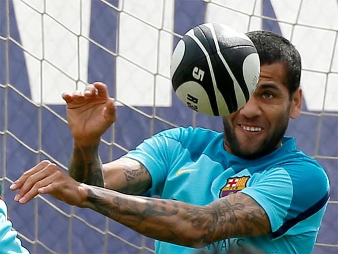 Multan al Villarreal con 16 mil dólares por plátano a Alves