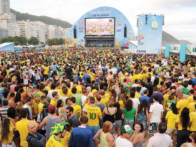 Todo fue fiesta y baile antes de que el Brasil-Croacia iniciara. Foto: AFP