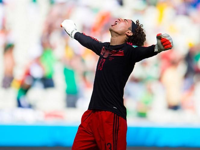 Ochoa se da su tiempo para analizar ofertas de diferentes equipos para seguir en Europa (Mexsport)