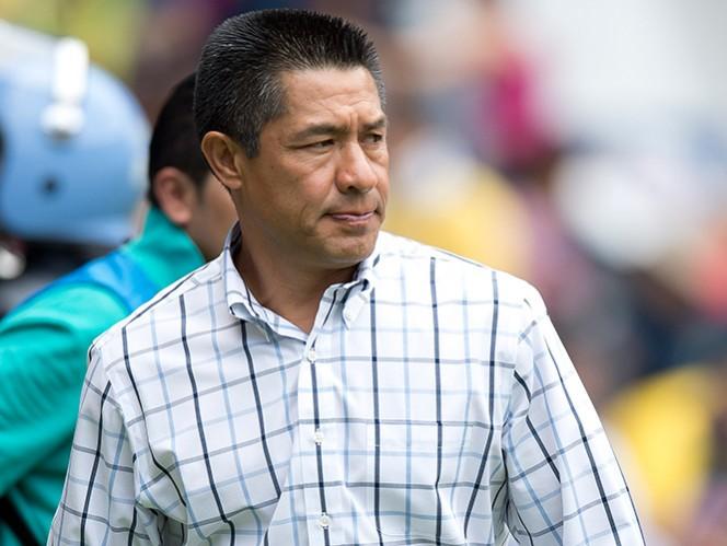 El técnico de los Gallos Blancos destacó la calidad humana y futbolística de Antonio Naelson. (Mexsport)