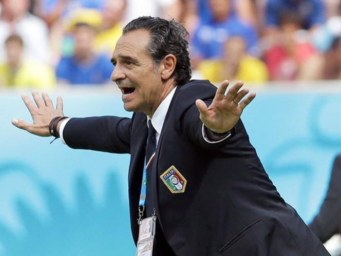 Prandelli elogia a Costa Rica; advierte que la pagará Uruguay (AP)