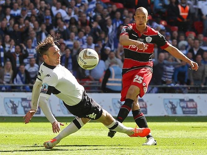 Vibrante regreso del QPR a la Liga Premier
