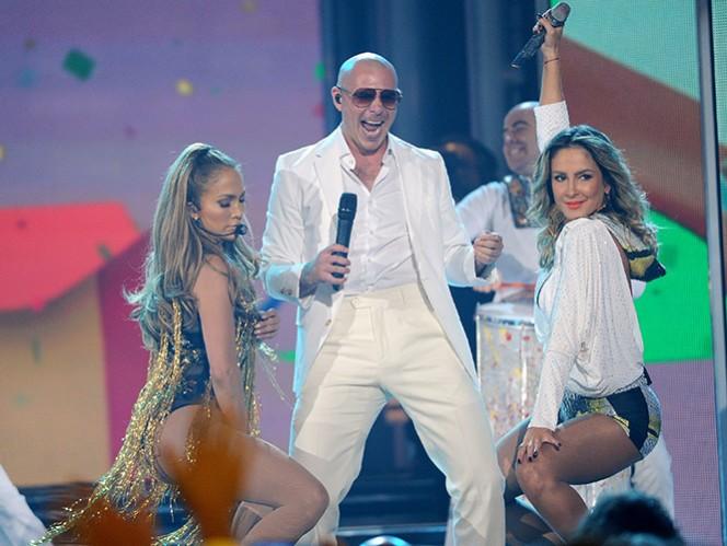 Se quejan de que la canción es prácticamente en inglés y español, dejando apenas unos segundos al final en portugués. (AP)