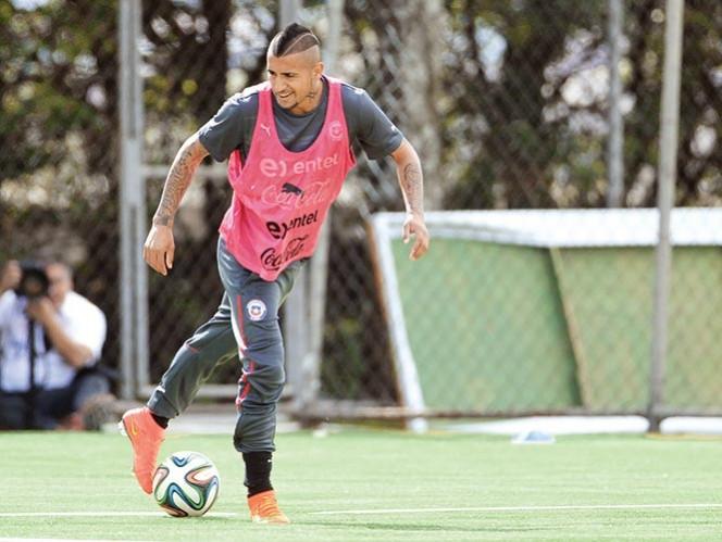 El atacante de la selección de Chile, Arturo Vidal, sorprendió a todos al trabajar al parejo.